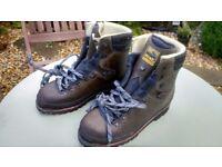 Women's Meindl Walking/Mountaineering boots