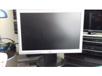 """HANNS-G 19"""" LCD Widescreen monitor"""