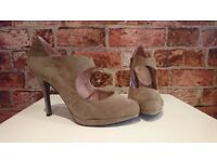 Heels in Mink/Taupe colour - New Look - Size 6