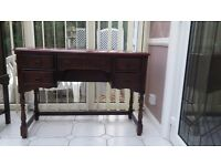 A beautifull antique dressing table
