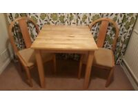 wooden table 75x75 witch 2 chairs