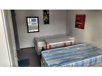 Perfect location KILBURN PARK.. Double/Twin Room Available now..
