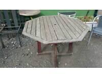 Octagonal garden table