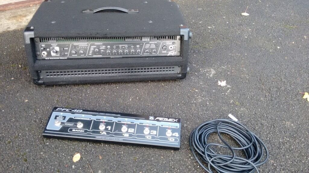 PEAVEY BAM Bass Guitar Amp Amplifier Head and Pedal Board - Great For Fender