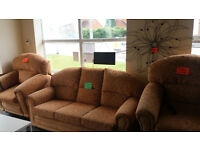 Draylon SUITE with 2 ELECTRIC RISE & RECLINE CHAIRS..... £379...Local Delivery....