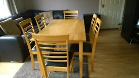 Dining table in beech with 6 chairs