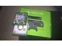 Xbox One, controller, kinect, 9 games (GTA5, Minecraft, Elder Scrolls, Logo Hobit, etc.)