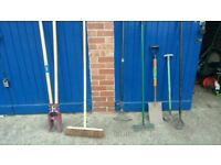 Garden tools read description