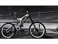 SPECIALIZED BIG HIT DOWNHILL BIKE