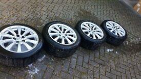 Lexus IS220d 17inch alloy wheels