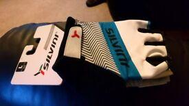 Short Finger Cycling Gloves (Brand new)