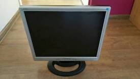 Hanns-G 19' monitor with built-in speakers