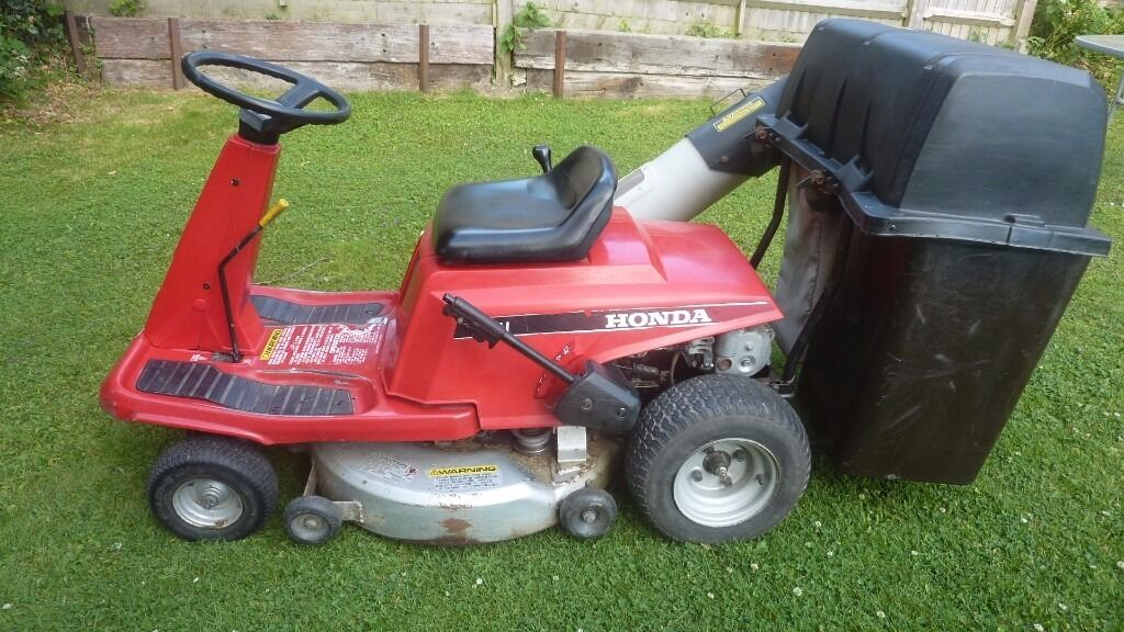 Honda top quality ride on mowerin Lewes, East SussexGumtree - Honda ride on mower, complete mower built by honda as & not just a honda engine put into a inferior quality machine, lovely running engine, key start, 5 gears & reverse, superbly built reliable workhorse in good condition, ring anytime on 01825723693...