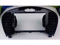 Brand new Nissan Juke 2013-14 unused sat-Nav Consul / Frame in box only 60