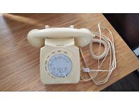 Retro style working telephone (Next)