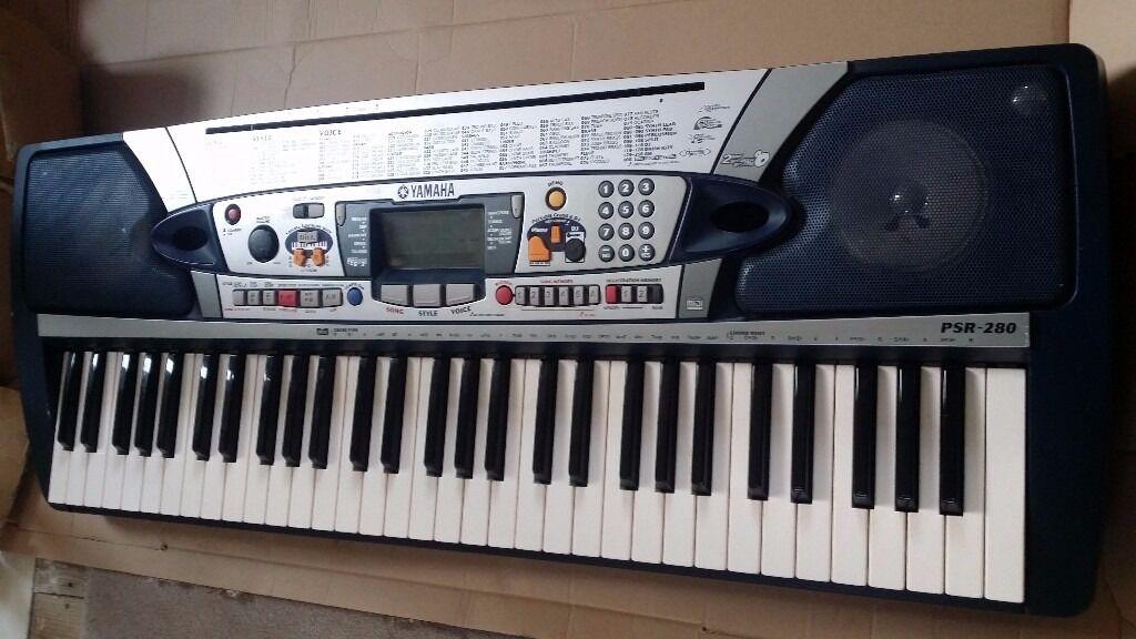Yamaha psr 280 piano keyboard 61 touch sensitive keys for Yamaha piano keyboard 61 key psr 180