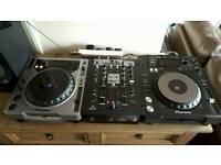 Pioneer DJ set up CDJ850 k, CDJ800, Behringer NOX404 mixer plus Speakers and Sennheiser headphones!