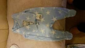 4 babies sleep suits