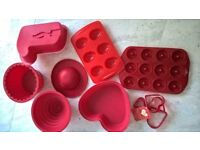 Red bundle silicone cake moulds cake tins