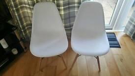 Set of 2 eiffel chairs