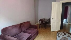 Large Furnished Ground Floor Tenement Flat, just off Victoria Road, 5-10 mins from City Centre