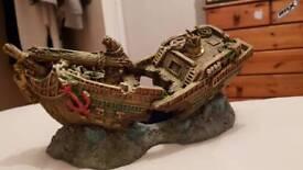 Fish tank bubbler ship