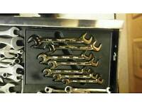 Snap on offset spanners