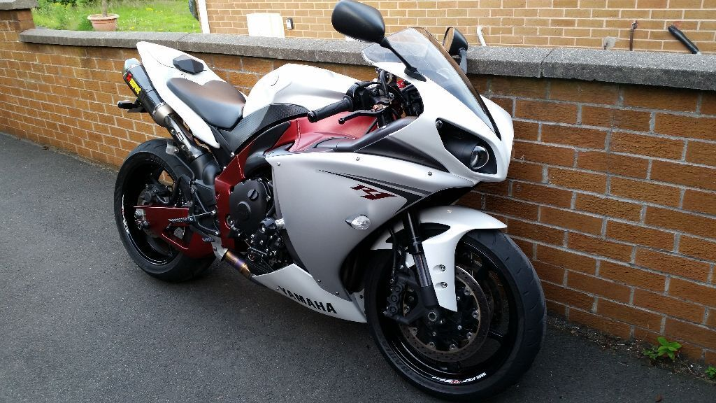 2009 r1 red frame, low mileage. MINT | in Bangor, County Down | Gumtree