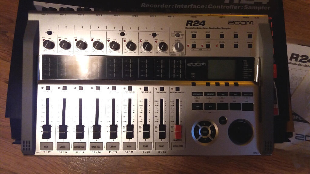 Zoom R24 24 Track recorder