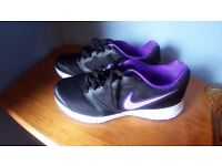 Ladies Nike Trainers Size 7