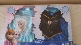 Elsa and Anna dressing up(5-6)+ two princesses(3-5)