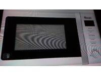Brand New Swan Microwave and Grill