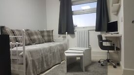 BRAND NEW Stylish Studio * NW9 * * ALL INCLUSIVE *