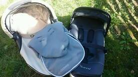 Quinny carry cot and buggie base