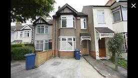 5 Bedroom house to Rent Nw4