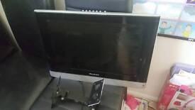 "HD TV flat screen 19"" with wall bracket"