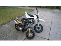 2 pitbikes