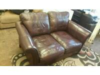 2 SEATER LEATHER SOFA SETTEE, GOOD CONDITION AND CAN BE DELIVERED ANYWHERE