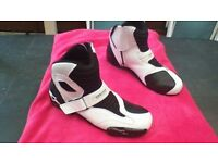 Alpinestars S-MX1 motorcycle/bike boots worn 3 times from new , absolute bargain!