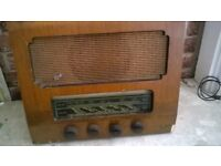lovley old radio