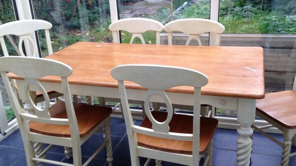large dining table and 6 chairs in rubber wood in sale manchester