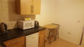 Studio Flat to rent, Swindon SN1 - Fully furnished and equipped with white goods and TV