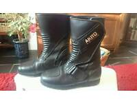 Ladies Akito leather motor cycle boots size 4