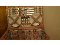 New 4 person Wicker Picnic Hamper Set