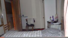 double bedroom in Peckham
