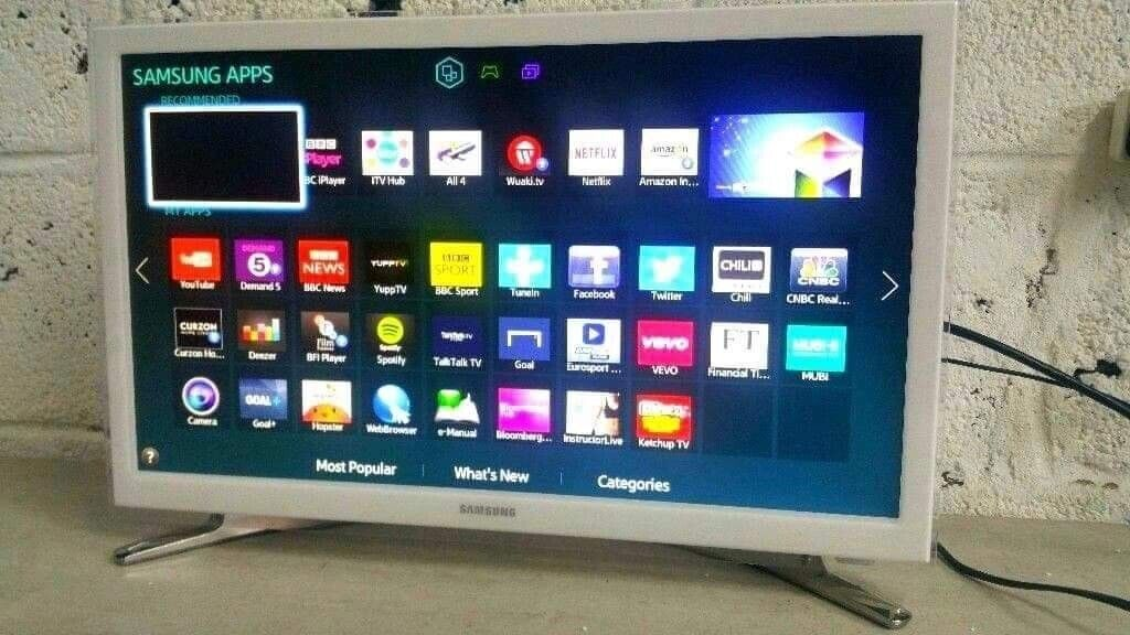 Samsung 24inch WHITE Smart Led Full HD tv, Freeview HD, Delivery | in  Gravesend, Kent | Gumtree
