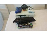 Xbox360 14gb HD ( no HDMI ) +2 controllers and 3 Games. + X360 official KINECT with PSU