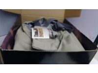 WADERS. Orvis Endura Mens Bootfoot Waders Medium 10. Boxed and New. Full 6 Month Warranty.