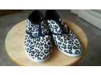 5 pairs Girls size 13 daps