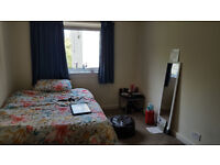 Spacious Double room Available from 29th September (£460 all inclusive)
